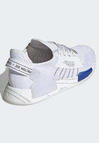 adidas Originals - NMD_R1.V2 ORIGINALS BOOST - Trainers - white - 1