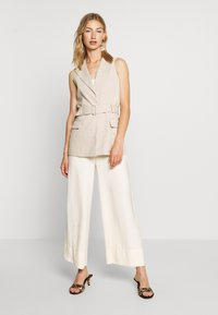 4th & Reckless - HOLLY JACKET - Vest - nude - 1