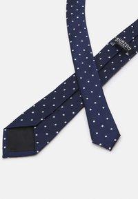Burton Menswear London - TIE HANKIE AND FLORAL PIN SET - Cravatta - navy - 2