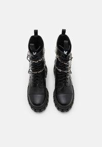 Koi Footwear - CYRUS - Šněrovací kotníkové boty - black - 3