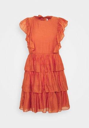 VITIER DRESS PETITE - Korte jurk - burnt ochre