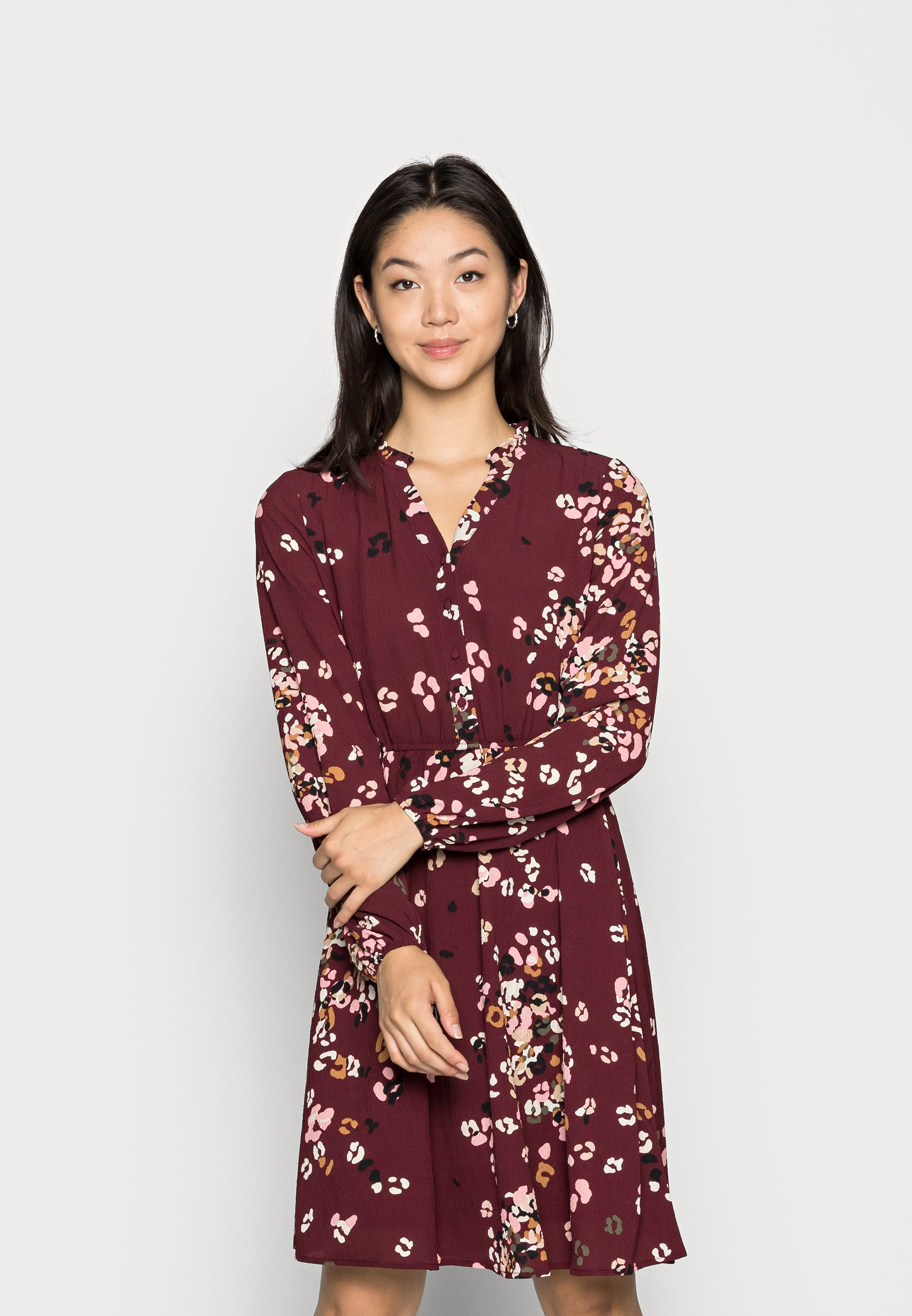 Damer VMAYA V NECK DRESS - Skjortekjole