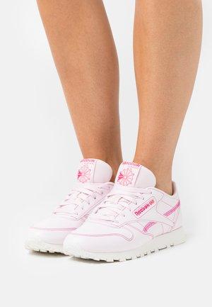 CLASSIC VEGAN - Trainers - porcelain pink/chalk/pursuit pink