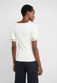 Lauren Ralph Lauren - T-shirts med print - mascarpone cream - 2