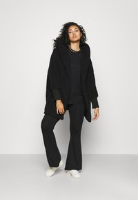 Noisy May Curve - NMCUDDLE COATIGAN - Fleece jacket - black - 1