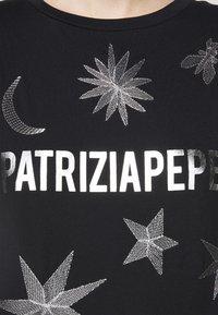 Patrizia Pepe - MAGLIA - T-shirt imprimé - nero - 4