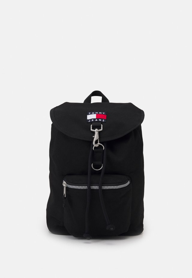 HERITAGE FLAP BACKPACK UNISEX - Batoh - black