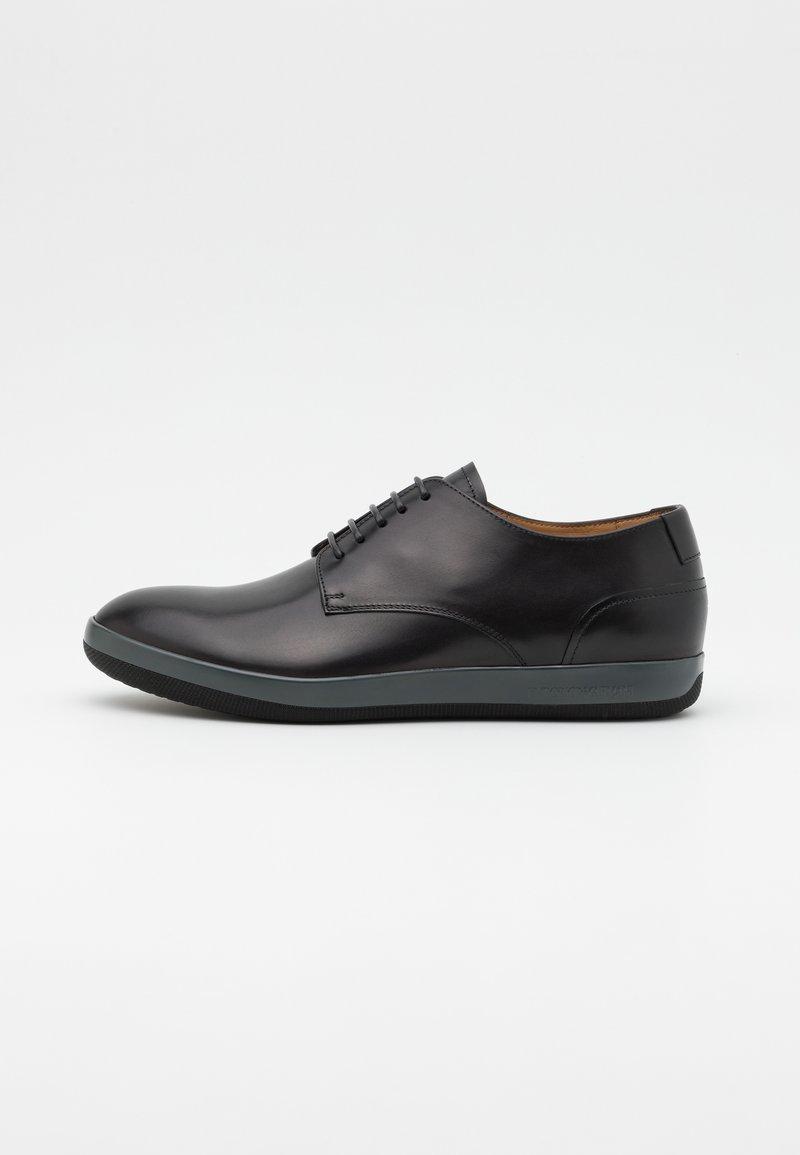 Emporio Armani - Šněrovací boty - black