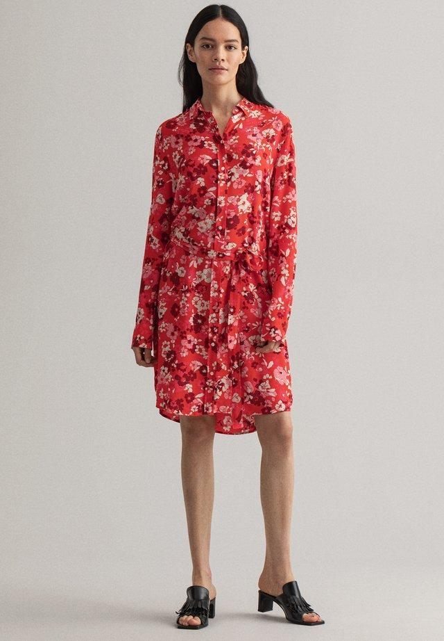 Sukienka koszulowa - red