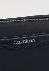 Calvin Klein - WASHBAG - Trousse - black - 3
