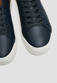 PULL&BEAR - Trainers - blue - 5