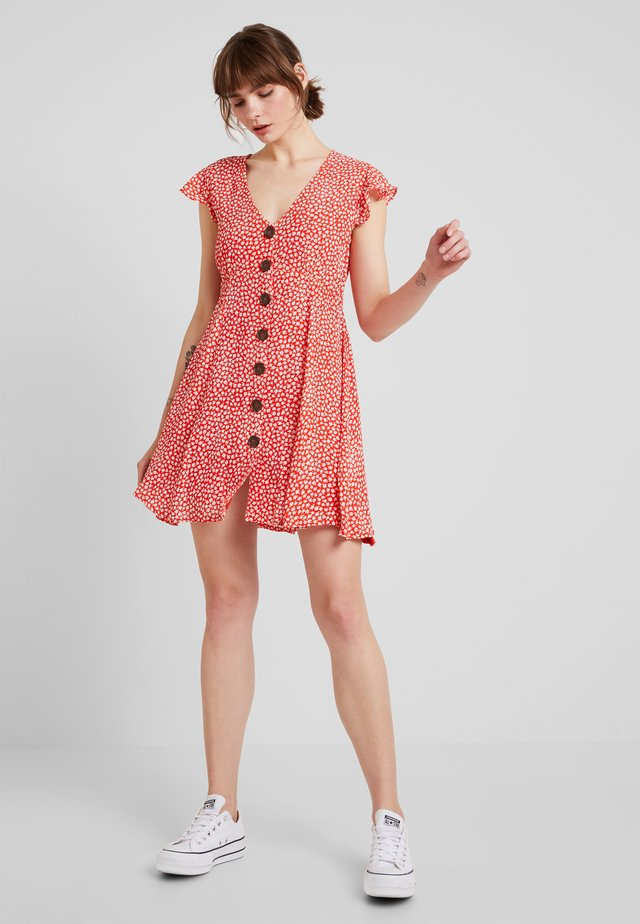 TINY BLOOM MINI DRESS - Shirt dress - blood orange