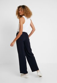 Marc O'Polo - PANTS WIDE LEG - Bukse - midnight blue - 2