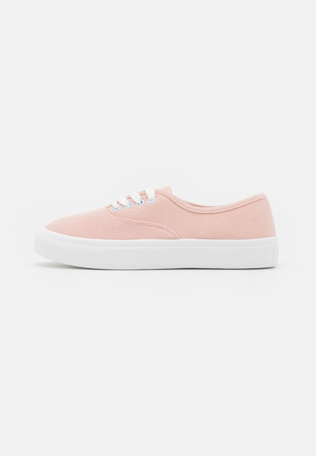 VEGAN JAMIE LACE UP PLIMSOLL - Trainers - baby pink