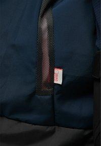 Haglöfs - LUMI INSULATED PARKA - Snowboard jacket - tulip pink/tarn blue - 5