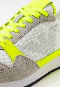 Emporio Armani - ZONE - Baskets basses - yellow/grey - 5