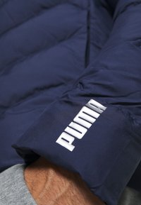 Puma - WARMCELL LIGHTWEIGHT JACKET - Winter jacket - peacoat - 5