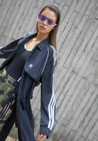 adidas Originals - TRENCH ORIGINALS ADICOLOR PRIMEGREEN COAT - Trenchcoat - black - 2