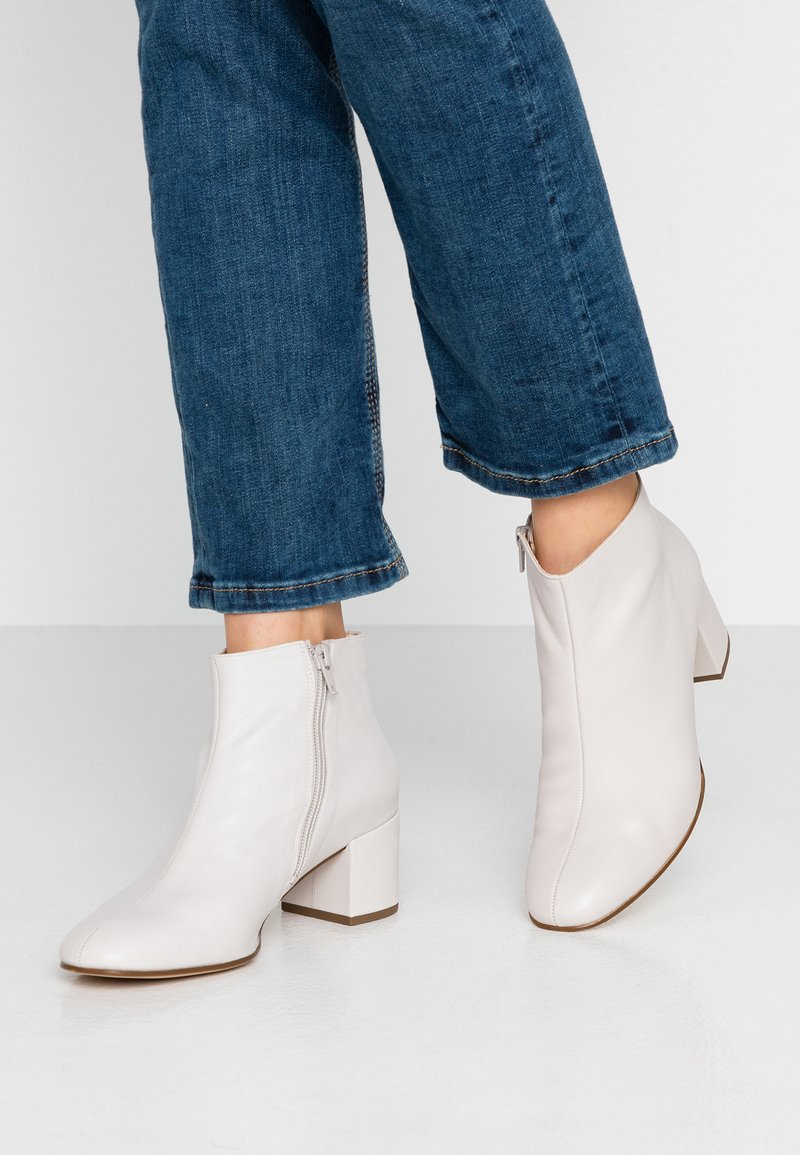 Högl - Ankle boots - light grey