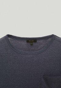 Massimo Dutti - MIT TASCHE  - T-shirt basique - blue - 2