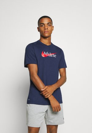 TEE ATHLETE - Print T-shirt - midnight navy