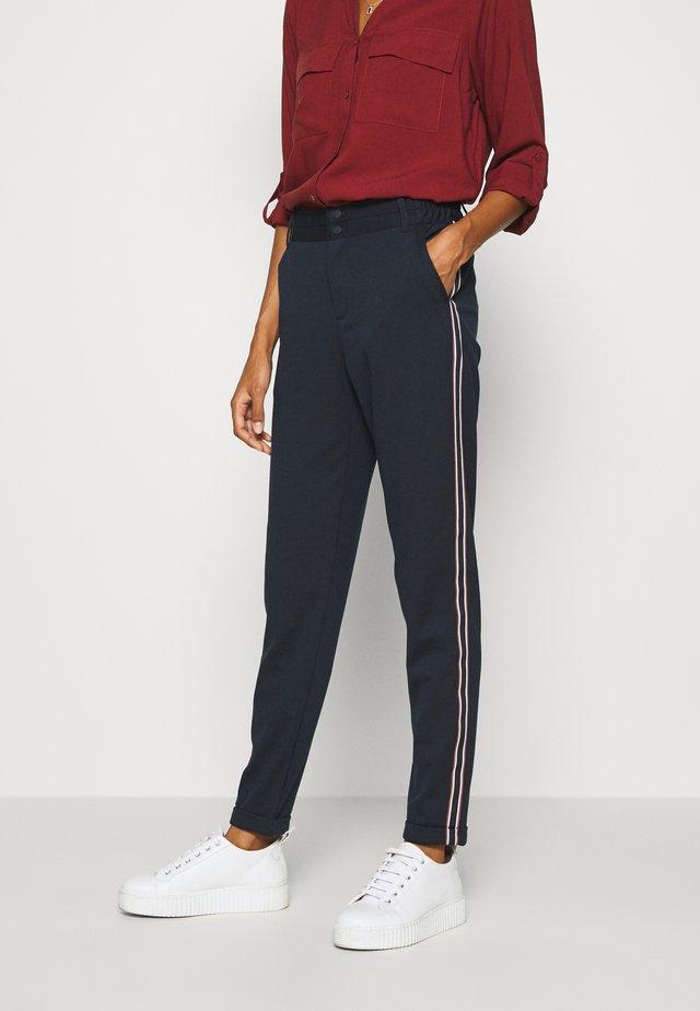 KINNIE PANTS - Pantalon classique - midnight marine