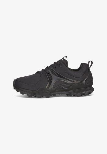 BIOM C-TRAIL W LOW HM - Sneakers basse - black