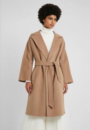 TED - Zimní kabát - kamel