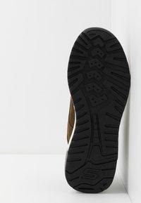 Skechers - FELANO - Sneaker high - taupe - 4