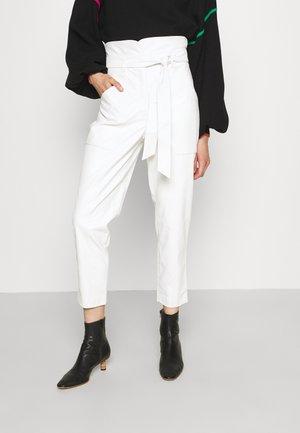 PANTALONE IN TESSUTO - Trousers - neve