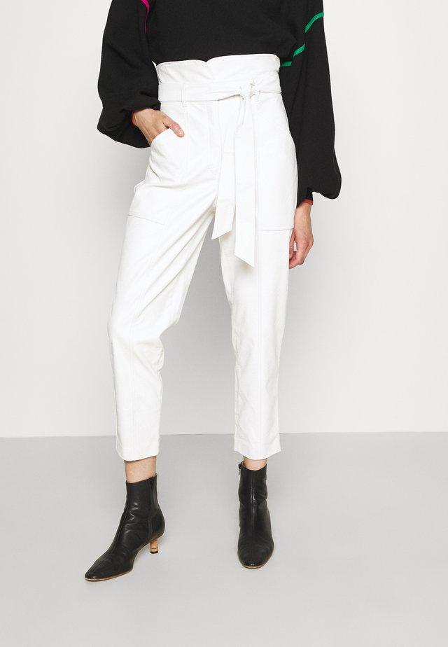 PANTALONE IN TESSUTO - Pantalon classique - neve
