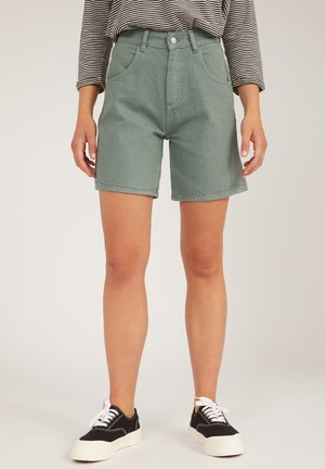 FREYMAA UNDYED - Shorts - eucalyptus green