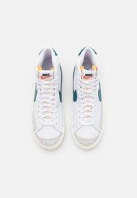 Nike Sportswear - BLAZER MID '77 UNISEX - High-top trainers - white/dark teal green/sail/white/black/team orange - 3