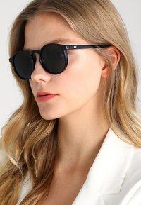 Le Specs - TEEN SPIRIT DEUX - Sonnenbrille - black - 1
