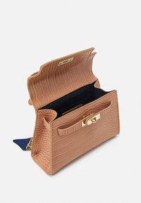 Glamorous - Handbag - mink - 2