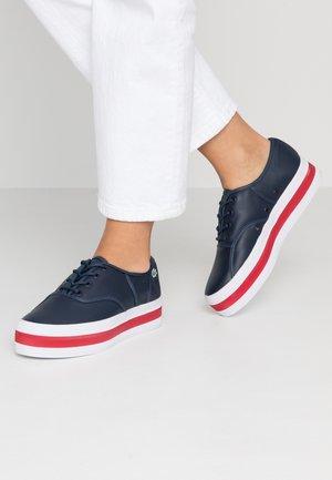 RENE PLATFORM  - Trainers - navy/red
