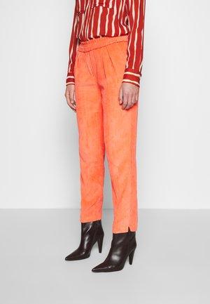 VALKA PANTS - Trousers - melon