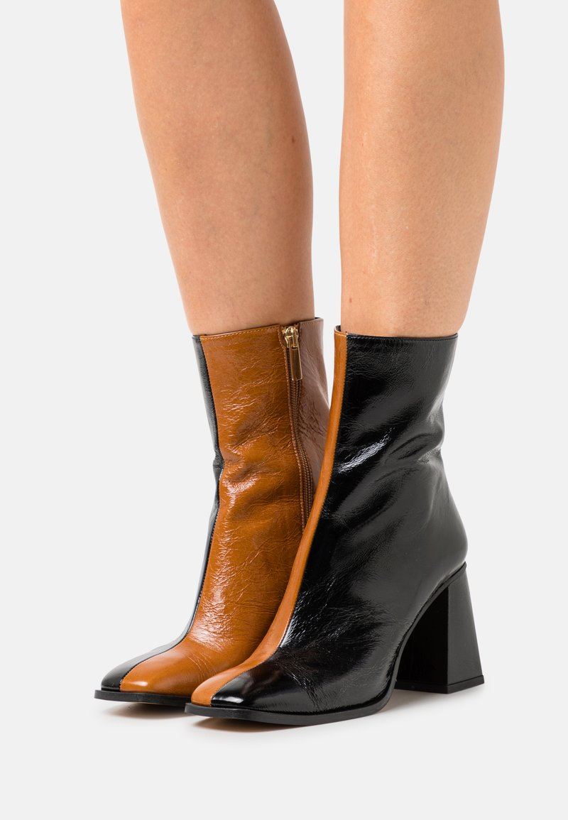 Minelli - Classic ankle boots - black/beige