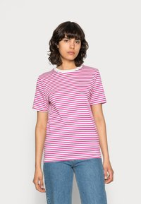 Selected Femme - SLFMY PERFECT SS TEE BOX CUT STR COLOR B - Print T-shirt - rose violet - 0