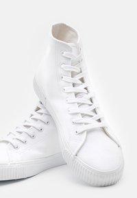 YOURTURN - UNISEX - Höga sneakers - white - 5