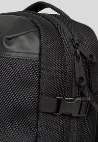 Eastpak - TECUM - Rygsække - black - 5