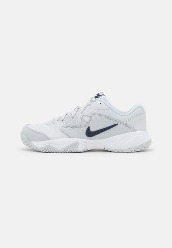 COURT LITE 2 - Tenisové boty na všechny povrchy - pure platinum/obsidian/white