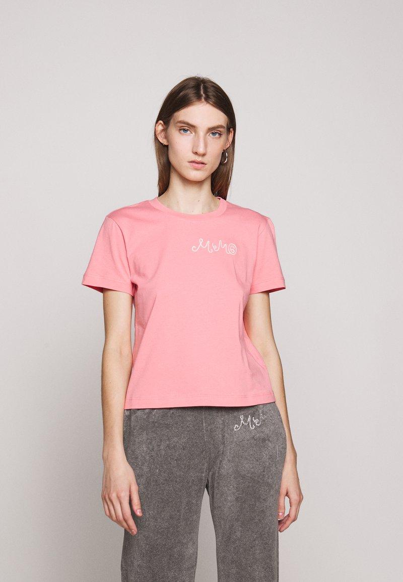MM6 Maison Margiela - SHORT SLEEVES - Triko spotiskem - pink