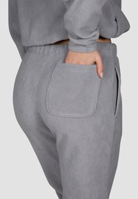MOROTAI - Tracksuit bottoms - steel grey - 2