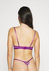 Hunkemöller - ISABELLE PLUNGE UNPADDED - Triangle bra - purple - 2