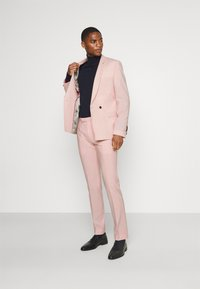 Twisted Tailor - SALSBURY SUIT - Kostym - pale dogwood - 1