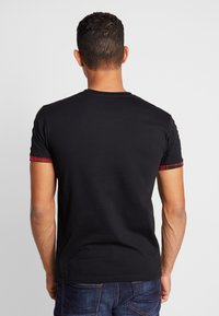 Good For Nothing - FITTED WITH TARTAN AND BRANDED TAPING - T-shirt basic - black - 2