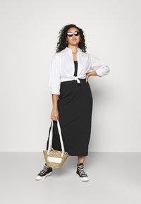 Mamalicious Curve - MLSIA TANK MAXI DRESS - Maxi dress - black - 1