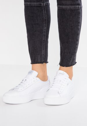 VIKKY STACKED - Joggesko - white