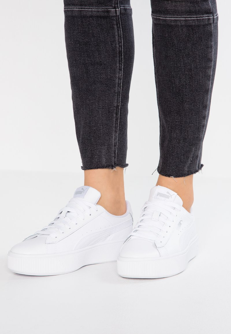 Puma - VIKKY STACKED - Sneaker low - white